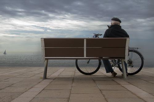 anciano-con-una-bicicleta