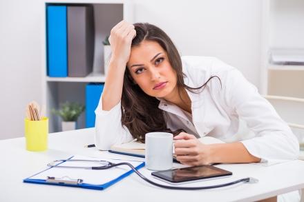 Medico_cansado_ejemplo_paciente