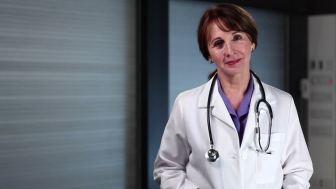 mujer medico